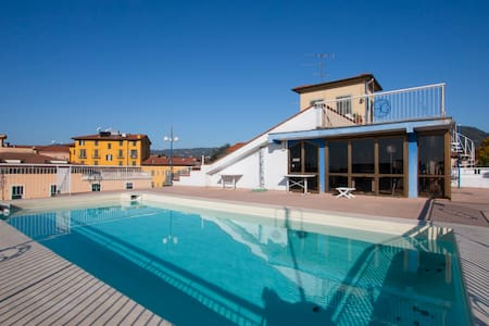 hotel corallo con piscina e free wi - Montecatini Terme - Bed & Breakfast
