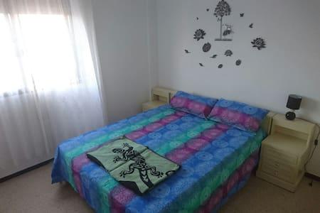 Lovely room in center of Maspalomas - Maspalomas - Bed & Breakfast