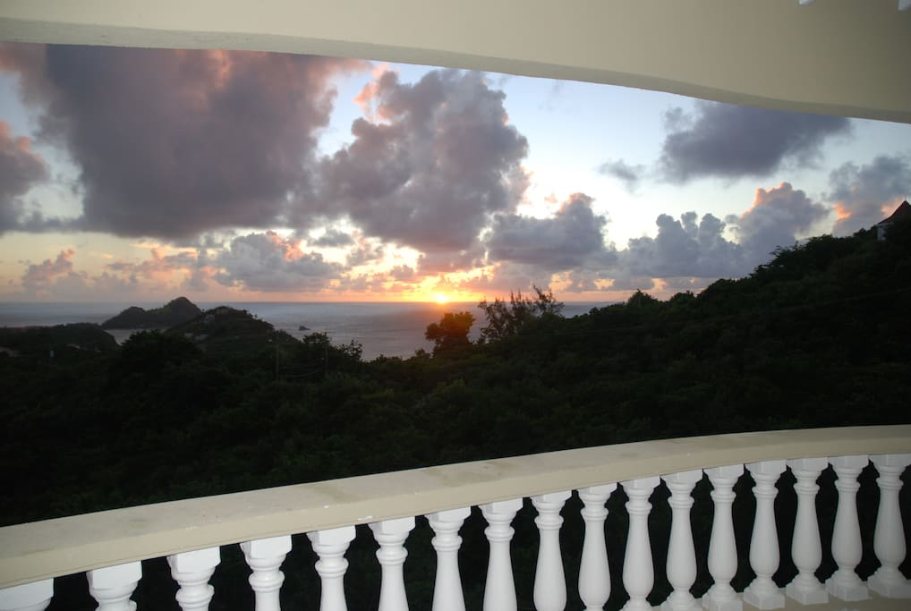 Tranquil Sunset from every Balcony!!