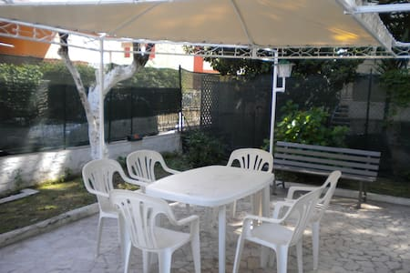 Beach Garden Serapo Apartment