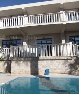 Вилла люкс с бассейном в Петроваце - Petrovac