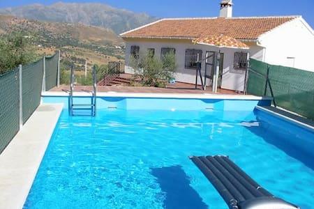 Casa rural +  piscina, barbacoa y vistas preciosas - Casa