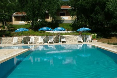 villa stefanos with pool in Glyfa - Korfu