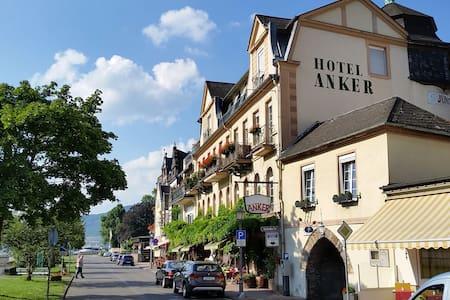 """Apartment on the historic """"Eismauer - Rüdesheim am Rhein"""