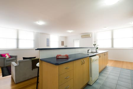 Sunny, spacious apartment