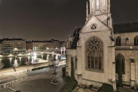 Le balcon de St-Georges sur Saône