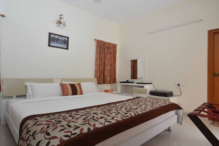 14 Square Race Course Road - Coimbatore - Bed & Breakfast
