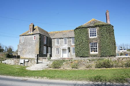 Beautiful House on working farm - Portscatho - Bed & Breakfast