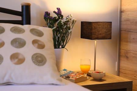 Cosy & Comfortable 1BR Apartment