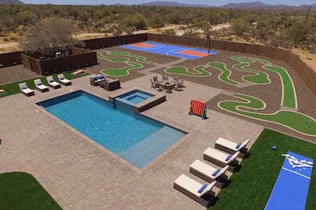Voted #1 House - Pool, Bowling, Golf, Basketball + - Scottsdale - House