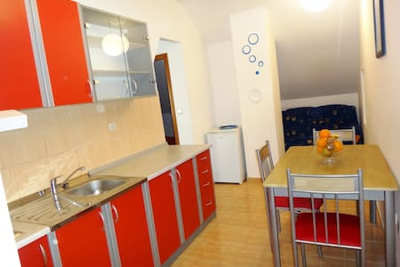 Cheap & Chic Apartment3 - Obrovac - Lejlighed