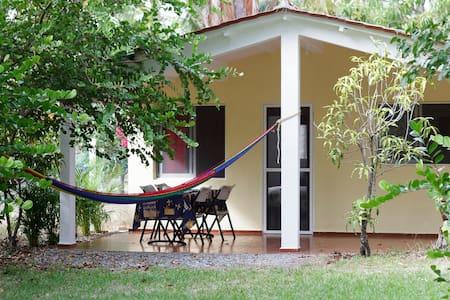 2BD bungalow - ocean&lagoon access