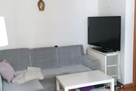 Bright&spacious apartment on HK Island/Sheung Wan - Hong Kong - Apartment