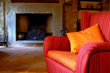 In a small castle of XII century  - Todi - Apartment
