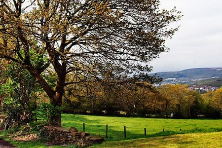 The Dairy 4* Country Cottage with Idyllic Views - Neath Port Talbot - Altres