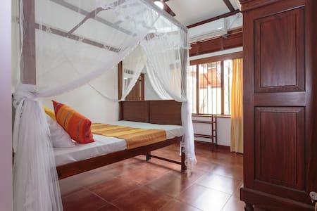 Lovely Home in Colombo (Entire home) - Sri Jayawardenepura Kotte - Haus