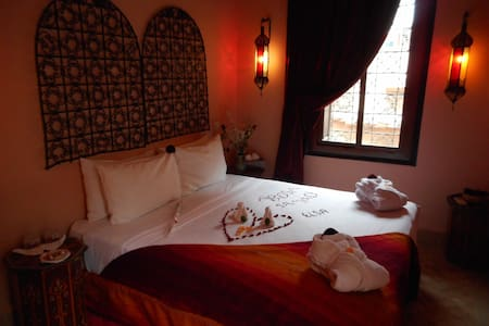 A NIGHT IN AN AUTHENTIC RIAD - Marrakech - Gästhus