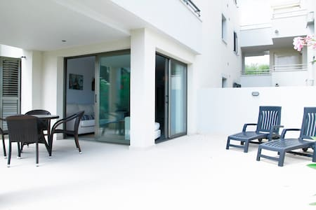 Luxury apt, 50m from the sea - 0B - Lejlighed