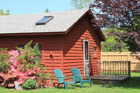 Beech Tree Cottages by Hammo Beach - Madison - Cabin