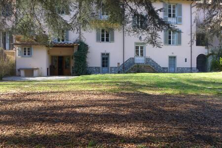 Riverside Large Villa with Park - Bagni di Lucca - Villa