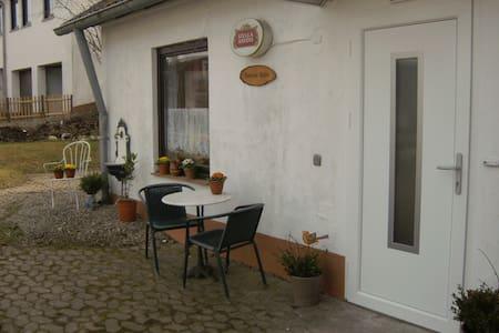 Connies Hütte Apartment ebenerdig mit Terrasse - Apartment