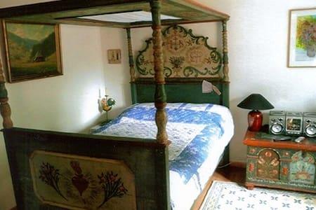 Exclusiv möblierte Ferienwohnung - Eußerthal - Apartamento