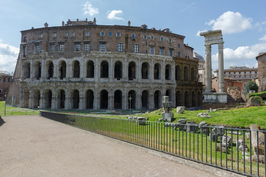 Historical apartment houses for rent in roma for Airbnb roma