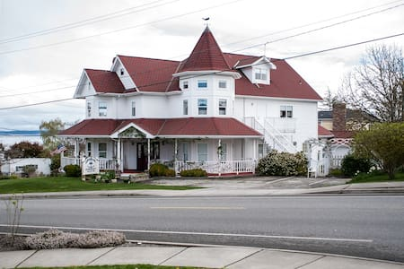 Anchorage Inn B&B - Coupeville