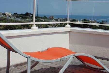 Chambre et terrasse vue sur mer et petit déjeuner - Saint-Cast-le-Guildo - Oda + Kahvaltı