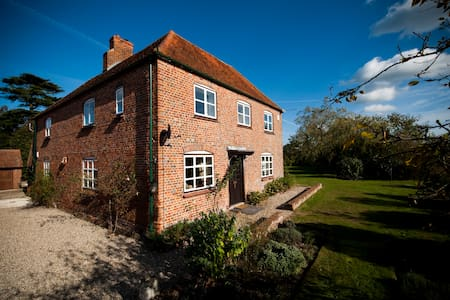 Home Farmhouse, Berkshire - West Berkshire - Hus