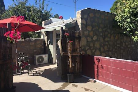 Jackie's Casita Bonita - El Paso