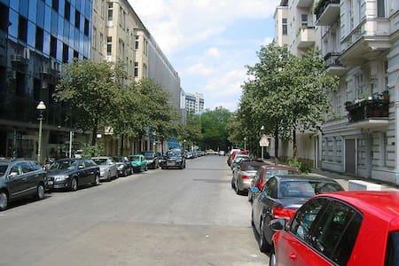 private Apartment in Schöneberg