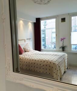 Romantice suite at central spot.