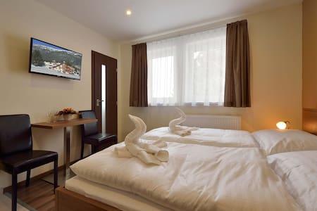 Komfortná izba pre 2 osoby - Bed & Breakfast