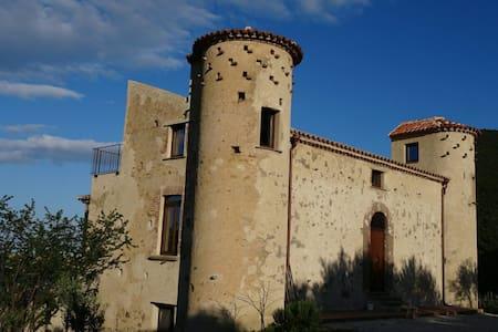 Donna Giulia: Urania bilocale - Caprioli - Lägenhet