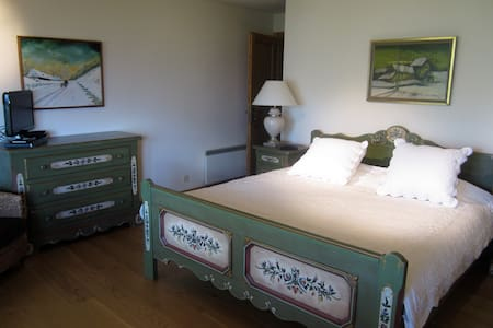 Deluxe King Suite in luxury chalet - Chalet