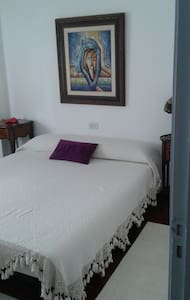 Habitación con cama de matrimonio - Pis