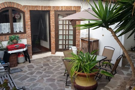 Beautiful view, cozy condo and you! - Wohnung