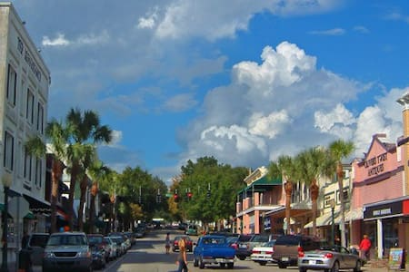 2 Bedroom Mount Dora Houseshare in Downtown Area - Mount Dora