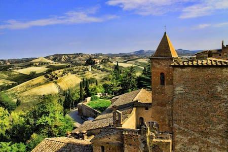 Medieval Tuscany near Florence - Leilighet