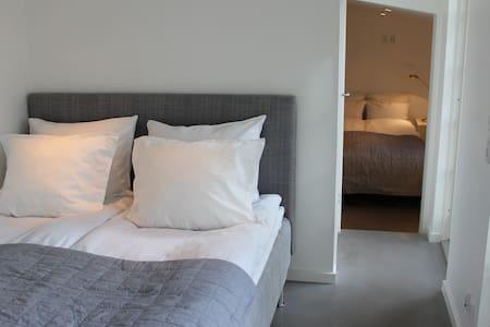 Modern guest house in Humlebæk - Humlebæk - Cabana