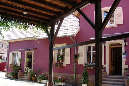 Corps de ferme, 3 pièces proche Obernai et Vosges - Casa