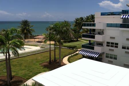 Beachfront @ Costamar Beach Village West, Loiza PR - Társasház