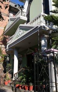 sunny,homely,good scene,cosy - Kathmandu - Huis