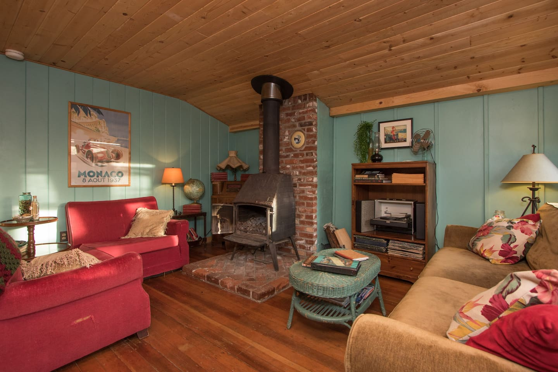 Adorable Vintage Beach Cottage /Spa