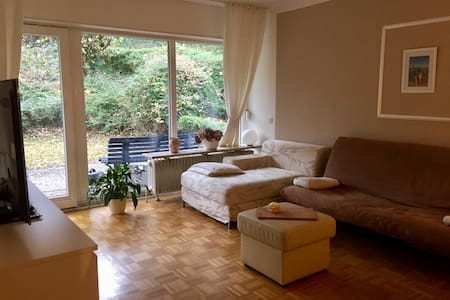 Entire apartment, much space in perfect location! - Bonn
