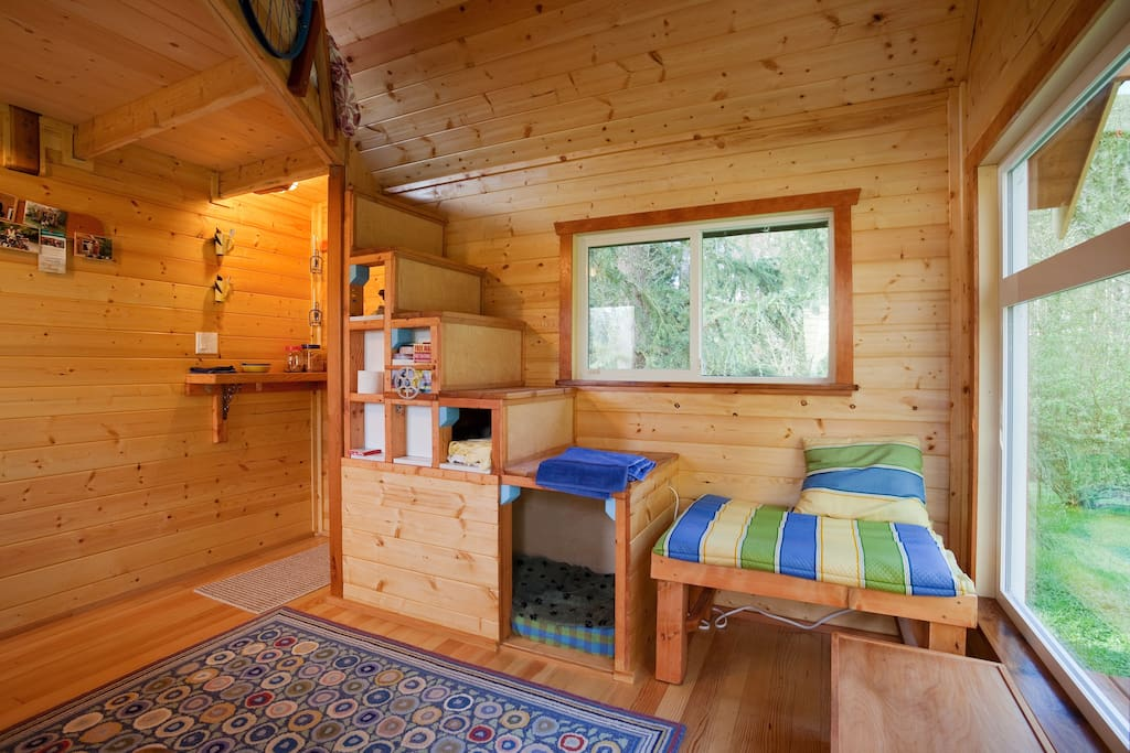A tiny house on a tiny farm cottages for rent in for Tiny house builders ontario