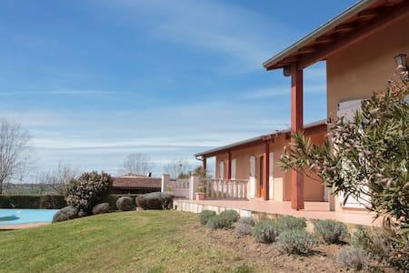 Luxurious Maison in Midi-Pyrenees - Saint-Ybars