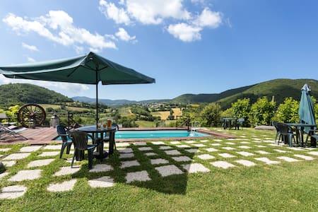 3 Mini loft, giardino e piscina - Spoleto