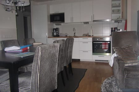 Cosy cottage for 6 with sauna, lake - Lappeenranta - House